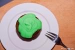 Šokolādes kūciņa ar zaļo putukrējumu