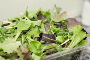 Nomazgā salātus